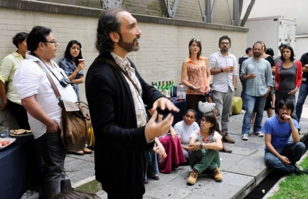 O artista José Miguel Gonzalez Casanova em um evento no México (Foto: Reprodução Internet)