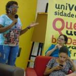 A coordenadora pedagógica da UQ, Rosângela Gomes, falando aos quebradeiros (Crédito: Marcelo Ostachevski)